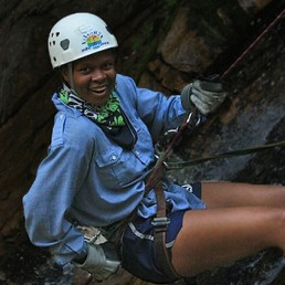 yvonne cagle rappelling